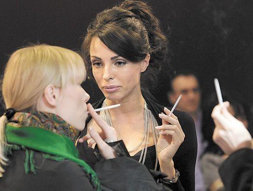 Табачная революция. Кто вставил женщинам в рот сигарету?